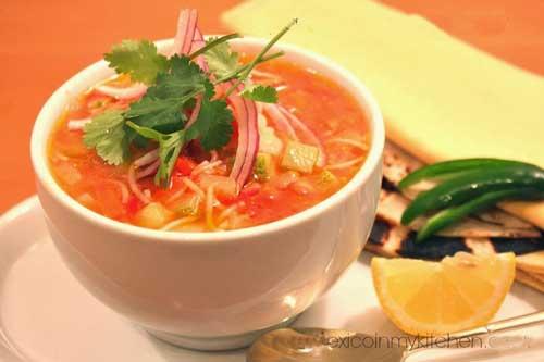 پیش غذا سوپ ورمیشل و سبزیجات