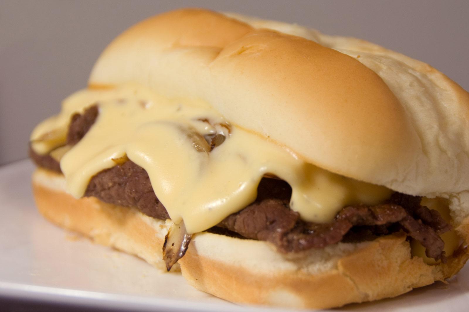 ساندویچ چیز استیک گوشت