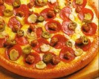 پیتزا سوسیس و قارچ