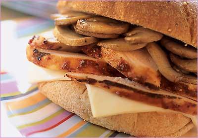 ساندویچ استیک مرغ و قارچ