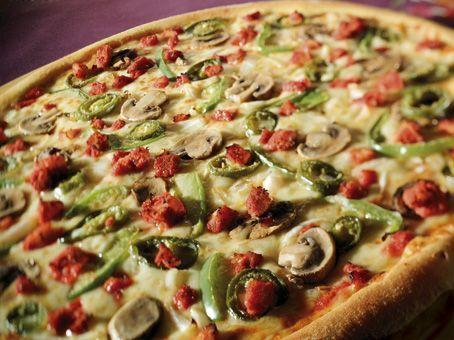 پیتزا چیکن تندوری