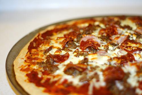 پیتزا گوشت و پنیر